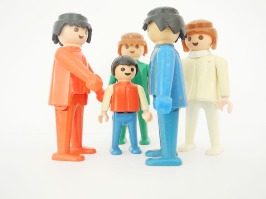 Erziehungsberatung_Playmobilfiguren stehen als Symbol für die Klienten.